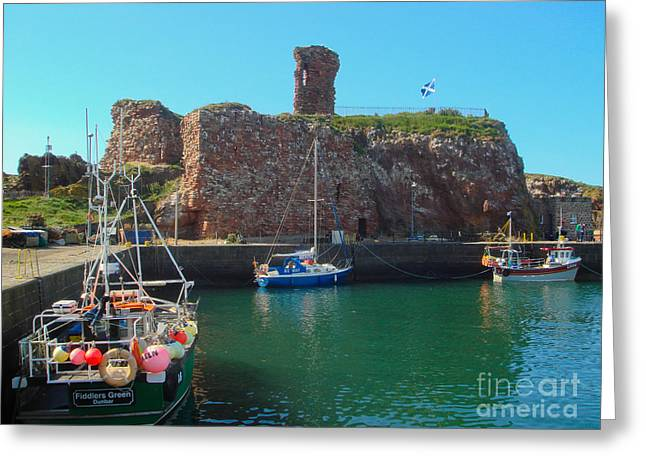 Dunbar Castle And Harbour Greeting Card