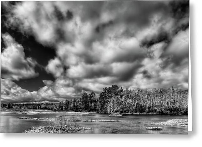 Greeting Card featuring the photograph Dusting Of Snow On The River by David Patterson