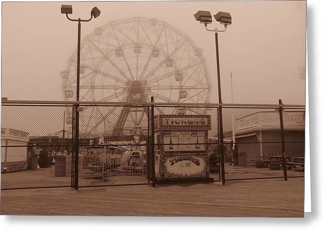 Ferris Wheel Greeting Card by Peter Aiello