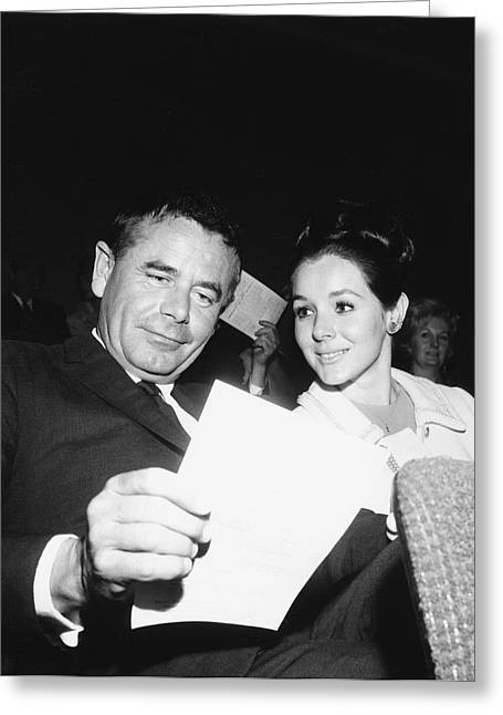 Glenn Ford And Kathy Hays Greeting Card by Underwood Archives