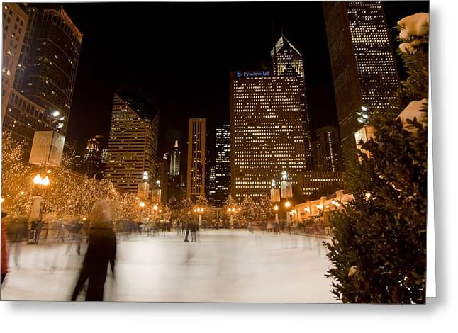 Ice Skaters And Chicago Skyline Greeting Card