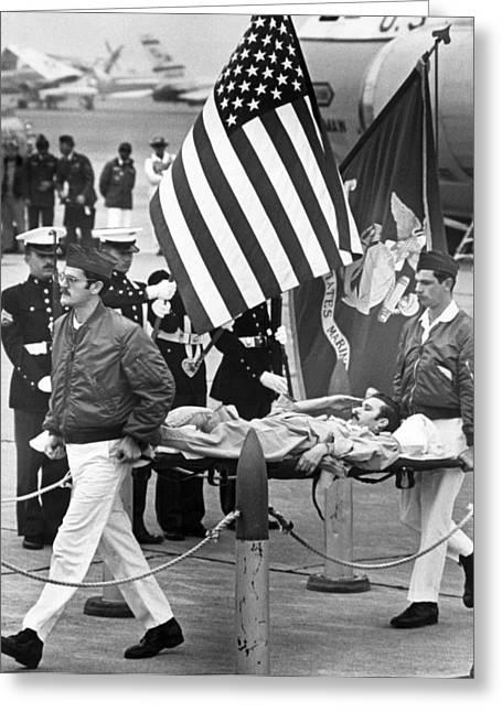 Injured Pow Salutes Flag Greeting Card