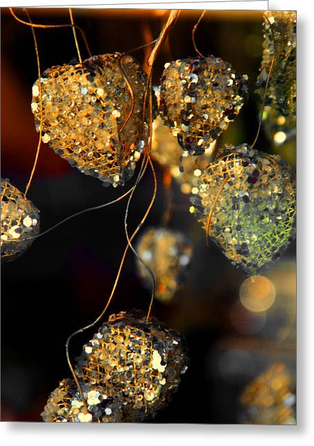 Never Hurt The Heart That Loves You Greeting Card by Susanne Van Hulst