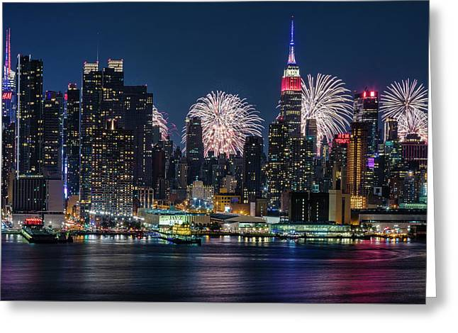 Greeting Card featuring the photograph Nyc 4th Of July Fireworks Celebration by Susan Candelario