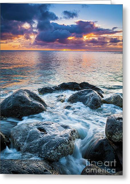 Oahu Shoreline Greeting Card by Inge Johnsson