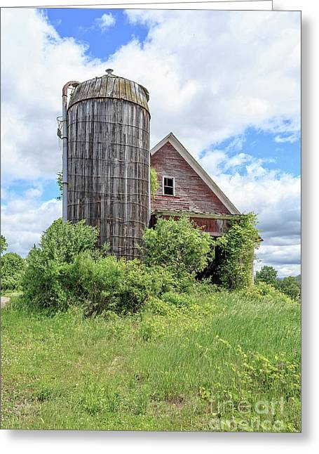 Old Historic Barn In Vermont Greeting Card by Edward Fielding