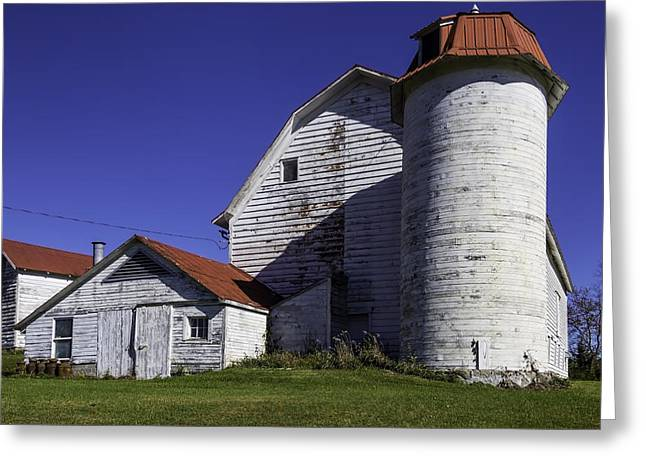 Old Red Roofed Barn Greeting Card by Garry Gay