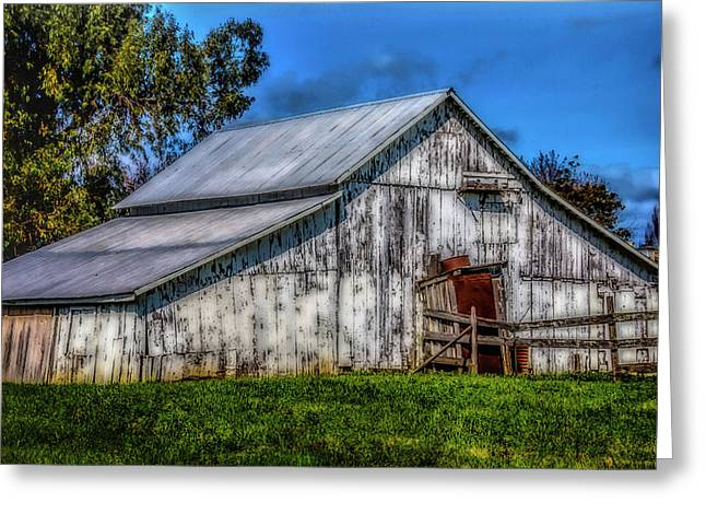 Old White Barn Greeting Card by Garry Gay