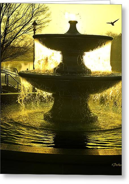 Oro Liquido Greeting Card by Kat Besthorn