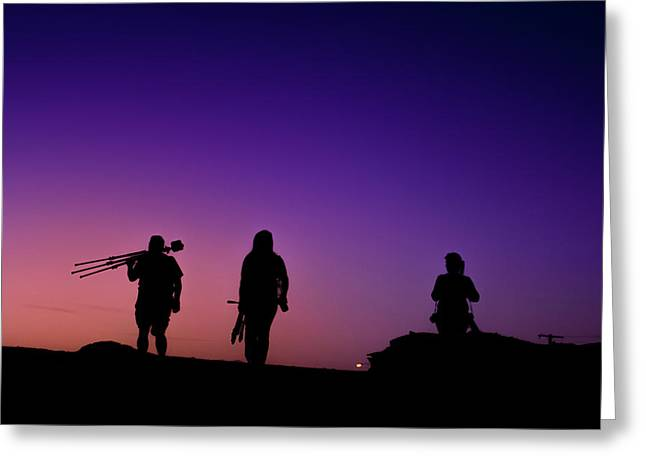 Photographers At Sunset Greeting Card by Ralph Vazquez