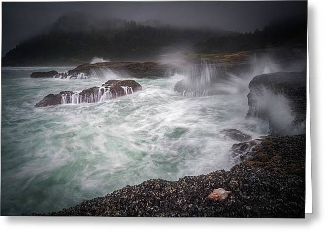 Greeting Card featuring the photograph Raging Waves On The Oregon Coast by William Lee