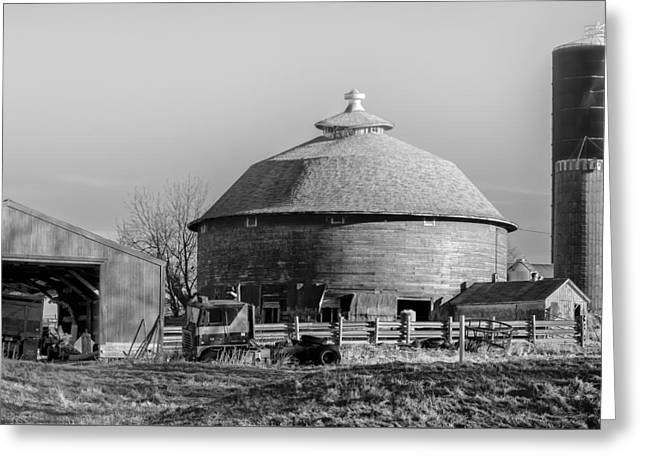 Round Barn Greeting Card by Dan Traun