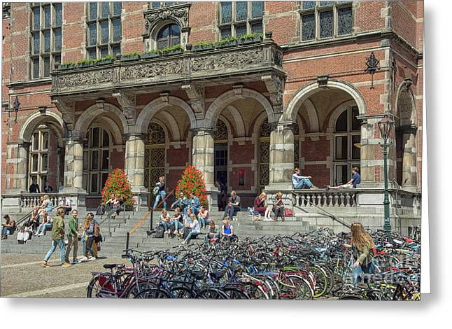 Students In The Sun In Front Of University Greeting Card by Patricia Hofmeester