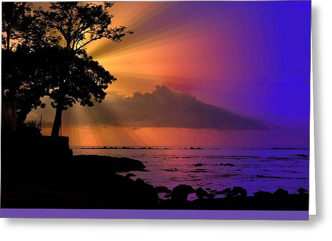 Greeting Card featuring the photograph Sun Rays Sunset by Lori Seaman