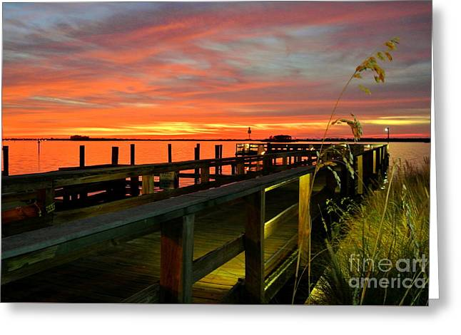 Greeting Card featuring the photograph Sundown by Elfriede Fulda