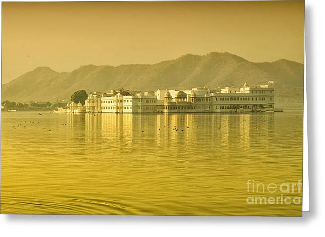 Greeting Card featuring the photograph Sunrise At Pichola Lake Palace by Yew Kwang
