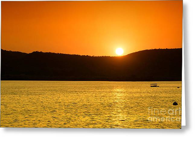 Greeting Card featuring the photograph Sunset At Pichola Lake by Yew Kwang