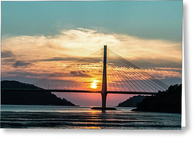 Sunset On The Bridge Greeting Card by Hyuntae Kim