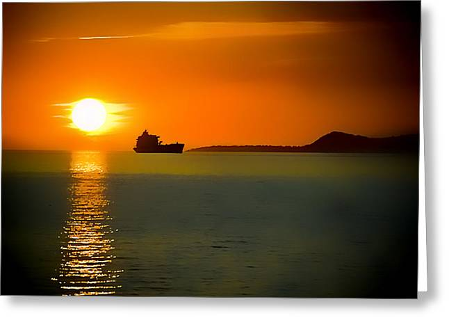 Greeting Card featuring the photograph Sunset On The Sea by Dale Stillman