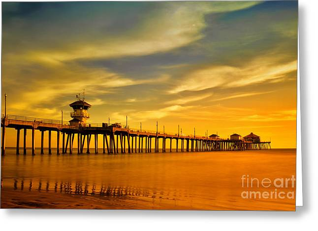 Sunset Over Huntington Beach Pier Greeting Card by Peter Dang