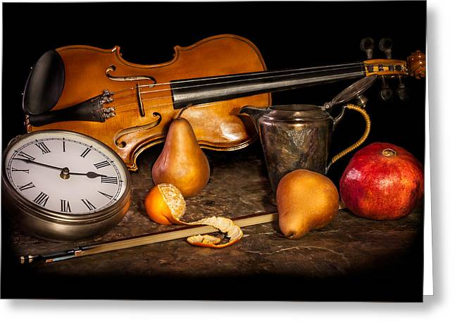 The Violinist's Break Greeting Card