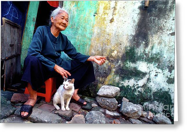 Greeting Card featuring the photograph The Woman And The Cat by Silva Wischeropp