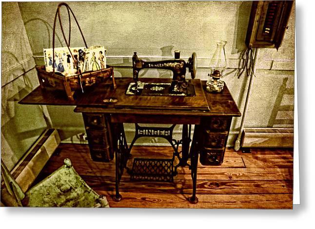 Vintage Singer Sewing Machine Greeting Card