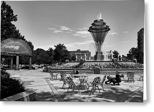 Wellspring Fountain - Council Bluffs Greeting Card by L O C