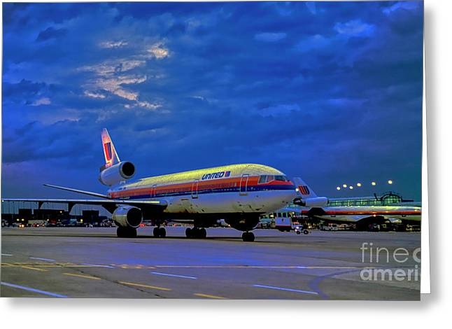 Dc10-30 Taxi Chicago Ohare Early Morning  521010057 Greeting Card
