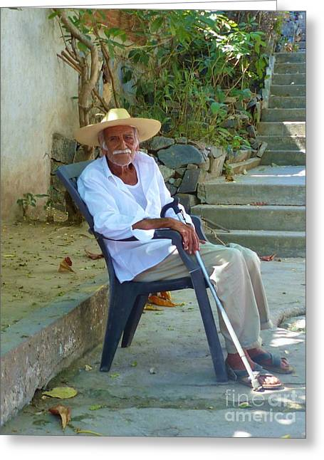 Greeting Card featuring the photograph Hola Senor by Rosanne Licciardi