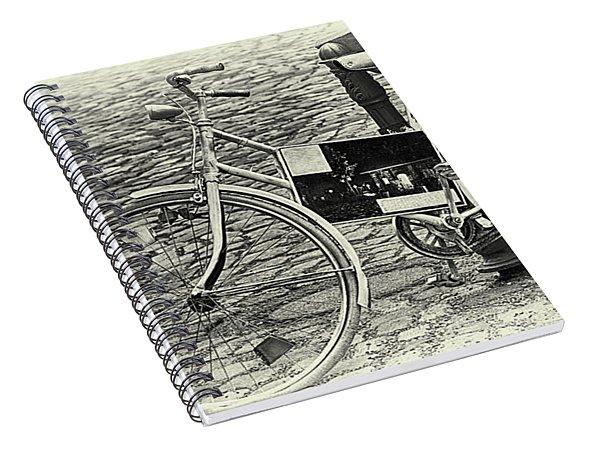 Das Alte Fahrrad Old Bicycle Spiral Notebook