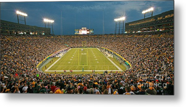 0614 Prime Time At Lambeau Field Metal Print