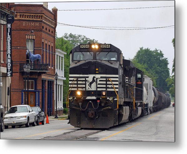 6th Street Train Metal Print by Joseph C Hinson Photography