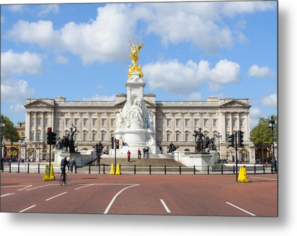 Buckingham Palace In London Metal Print