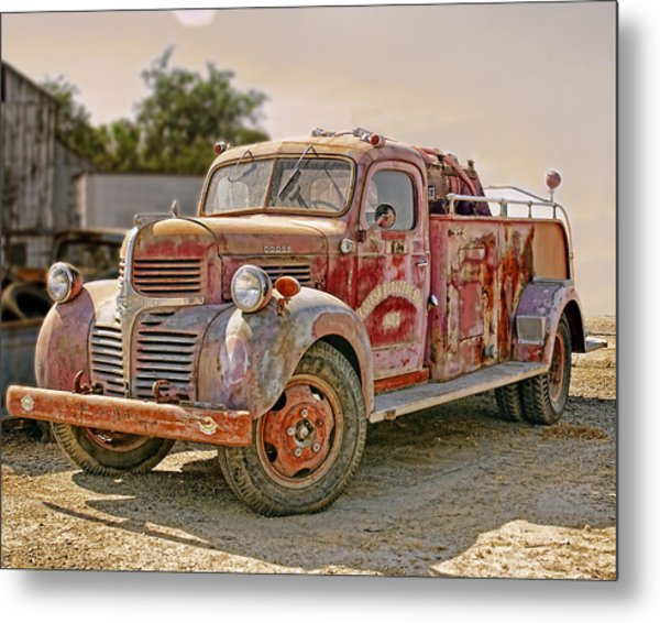 Metal Print featuring the photograph Calusa Rural Fire Truck No2 by William Havle