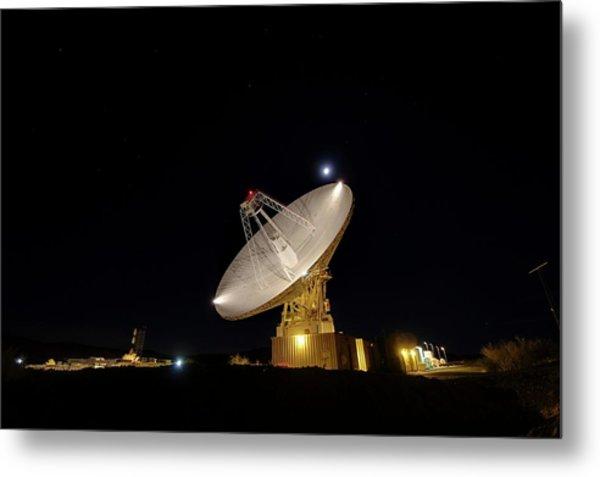Goldstone Observatory At Night Metal Print by Nasa/jpl-caltech