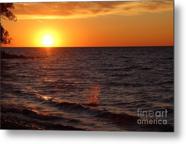 Metal Print featuring the photograph Lake Ontario Sunset by Jemmy Archer