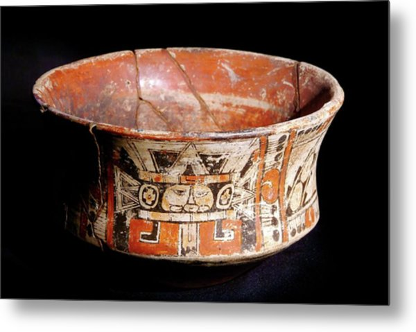 Mayan Vase Metal Print by Pasquale Sorrentino/science Photo Library