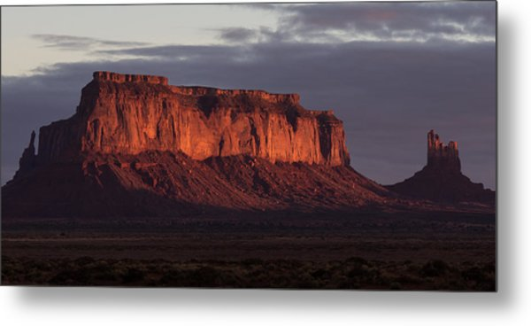 Monument Valley Sunrise Metal Print