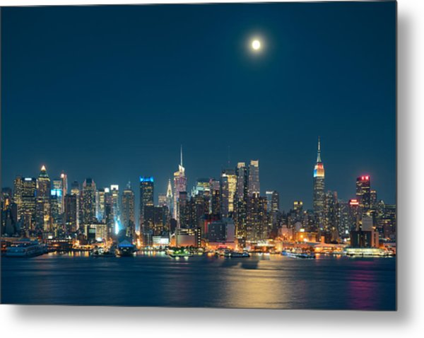 Moon Rise Manhattan Metal Print