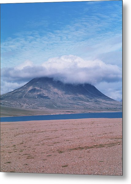 Mountain Cloud Metal Print by Simon Fraser/science Photo Library