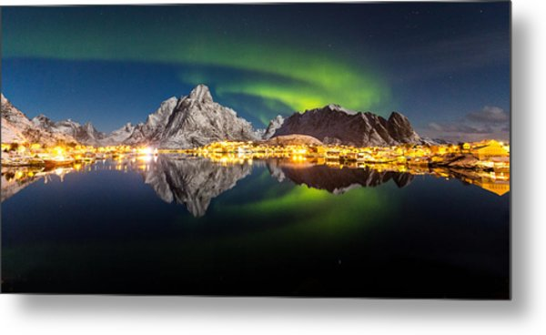 Reflected Aurora Metal Print