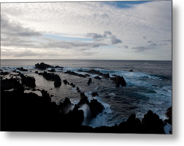 Rocky Beach At Dusk  Metal Print