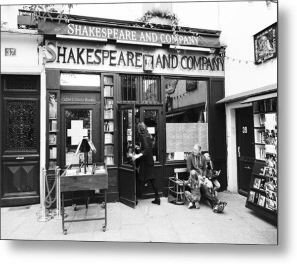 Shakespeare And Company Bookstore In Paris France Metal Print