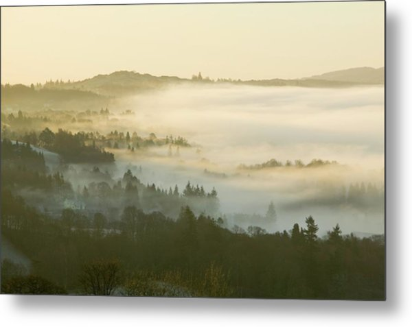 Valley Mist Over Windermere At Dawn Metal Print