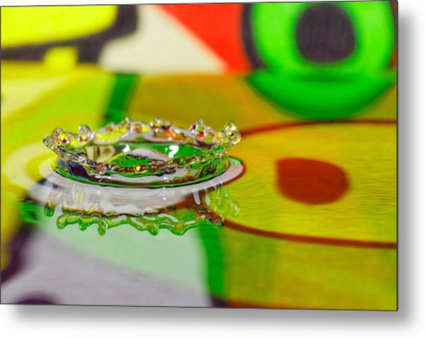 Water Crown Metal Print