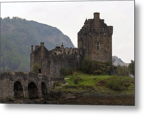 Cartoon - Structure Of The Eilean Donan Castle With A Stone Bridge Metal Print