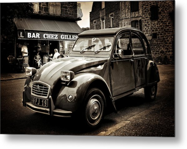 Metal Print featuring the photograph Citroen 2cv / Meyssac by Barry O Carroll