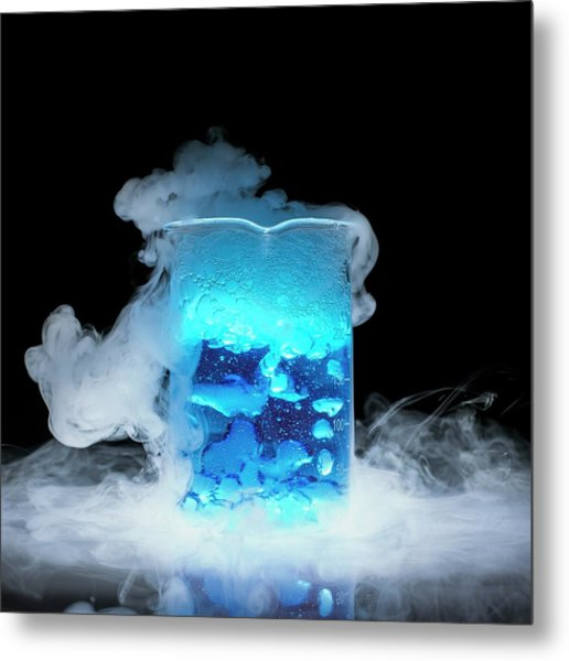 Dry Ice Vaporising Metal Print by Science Photo Library