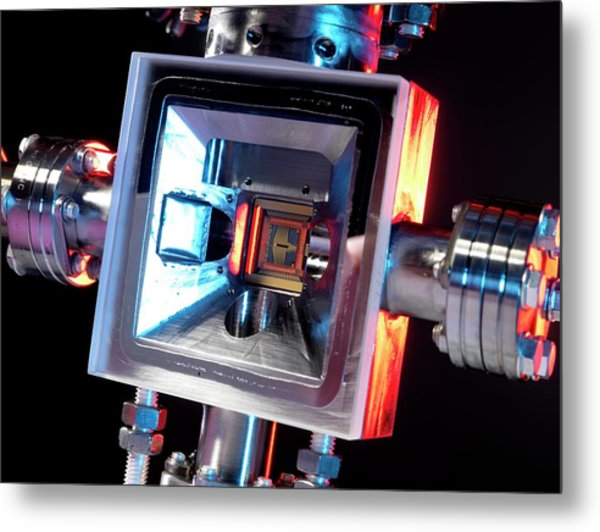 Microfabricated Ion Trap Metal Print by Andrew Brookes, National Physical Laboratory/science Photo Library